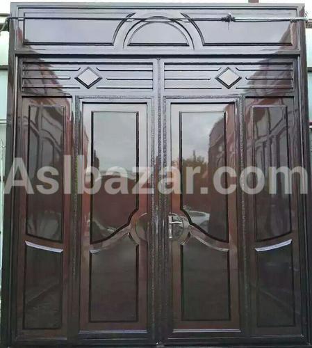 Темно коричневые ворота
