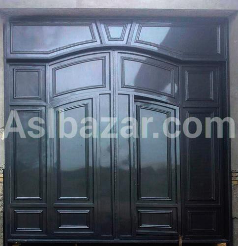 Standard black gate
