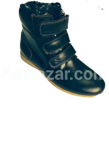 Model number 065 upper material natures. Leather Lining Fur Sole isskust TEP method of fastening adhesive Sizes 30-39
