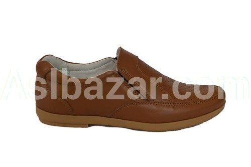 Model number 084 upper material natures. Leather Lining natures. leather Sole TEP method of fastening adhesive Sizes 30-39