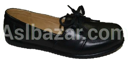 Model number 040 upper material natures. Leather Lining natures. PU leather Sole Method of attachment Cast Sizes 36-39